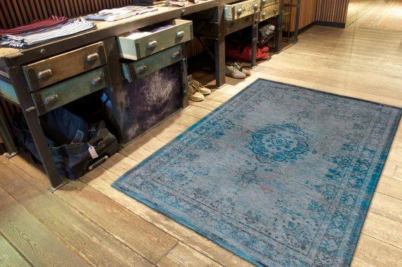 tapijt Louis De Poortere PT8255 Fading World Medaillon Grey Turquoise interior 2
