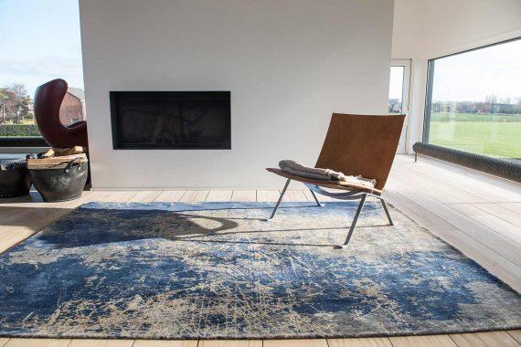 tapijt Louis De Poortere PT8629 Mad Men Cracks Abyss Blue interior