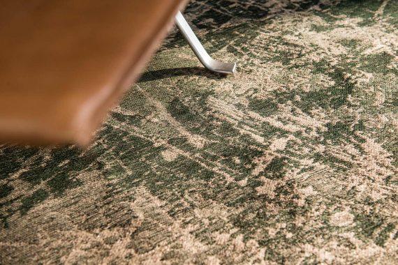 tapijt Louis De Poortere PT8723 Mad Men Cracks Dark Pine interior 2