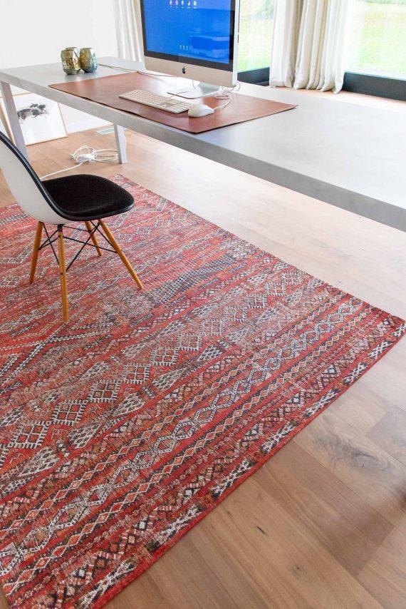 Louis De Poortere tapijt PT 9115 Antiquarian Kilim Fez Red interior 2