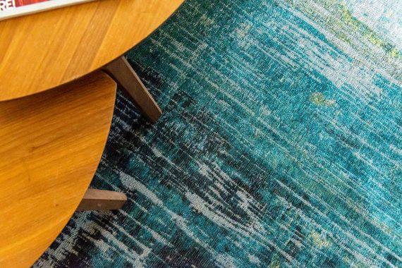 Louis De Poortere tapijt PT 9126 Atlantic Streaks Glen Cove interior 9