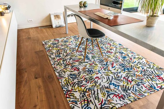 Louis De Poortere tapijt PT 9144 Gallery Graffito Street Graph interior 4